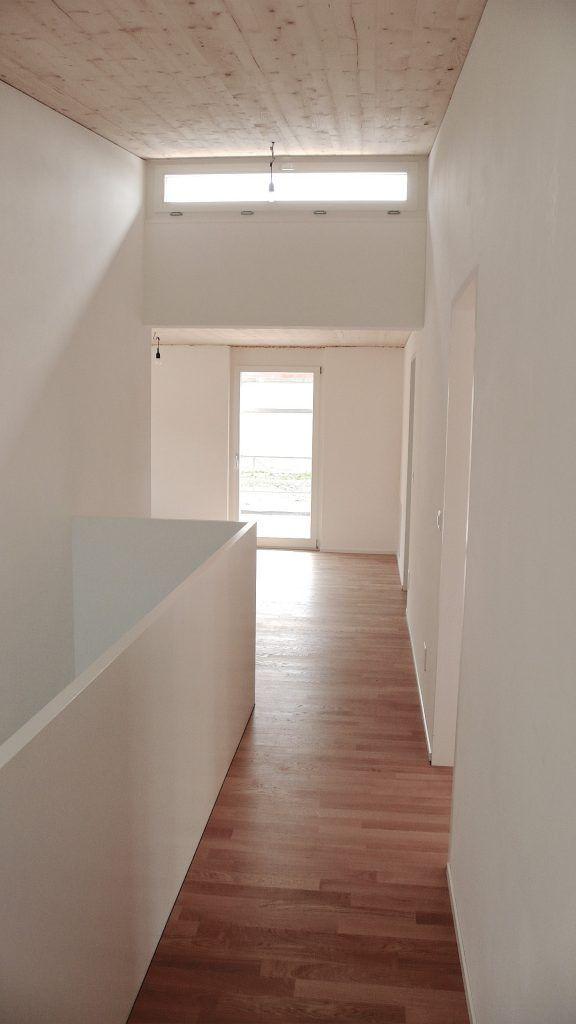 5 Einfamilienhäuser Klingnau Gang OG mit Oblicht zur Belichtung der Mittelzone