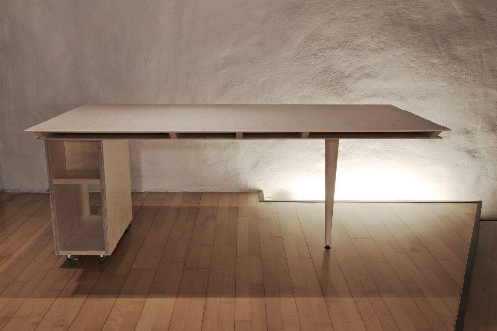 Tisch adb Ansicht Tischblatt mit Schubladen und Fächern