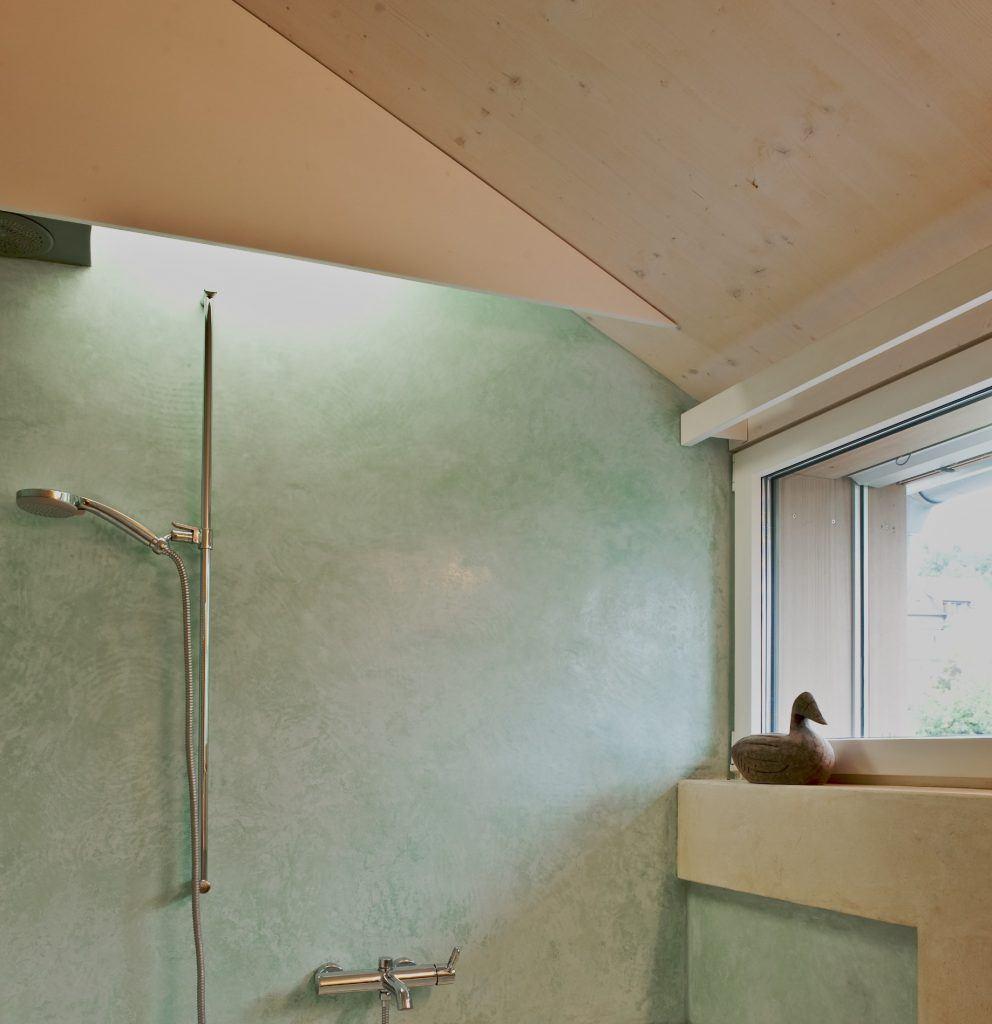 Umbau Einfamilienhaus Umiken Wandoberflächen Bad in diversen Kalk-Spachteltechniken
