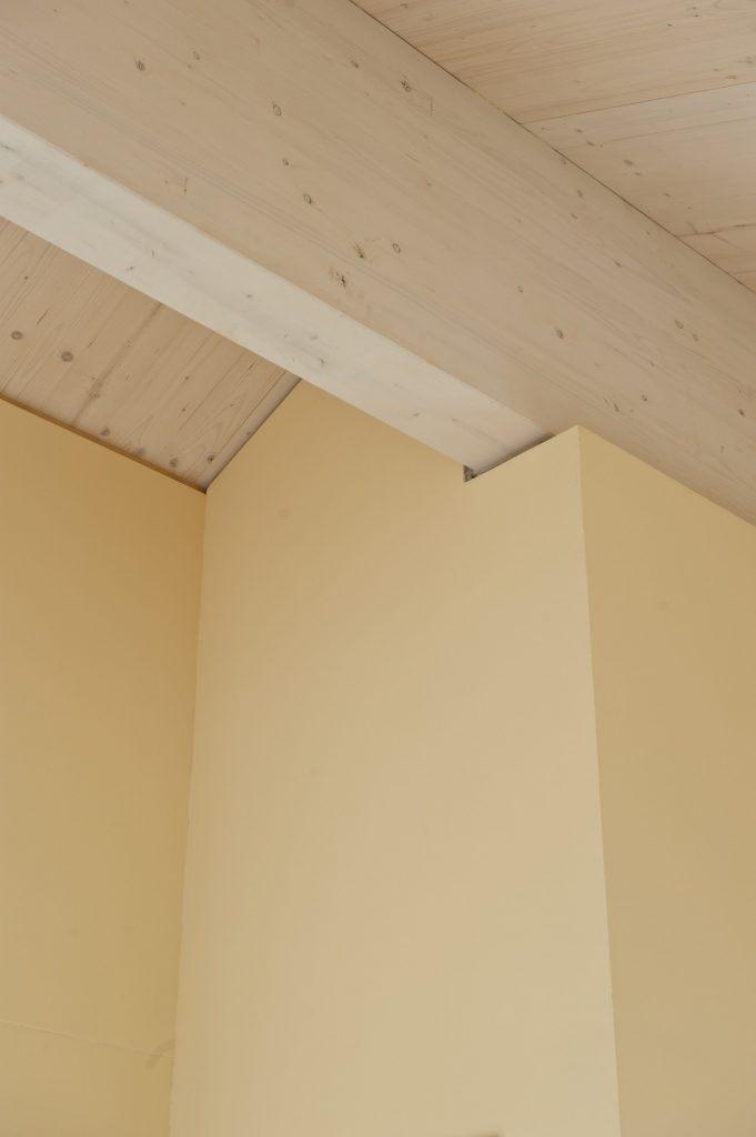 Umbau Einfamilienhaus Umiken Detail Bewegungsfugen zur Dachkonstruktion