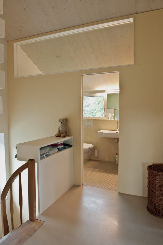 Umbau Einfamilienhaus Umiken Gang und Bad Obergeschoss | Oblicht zum Gang