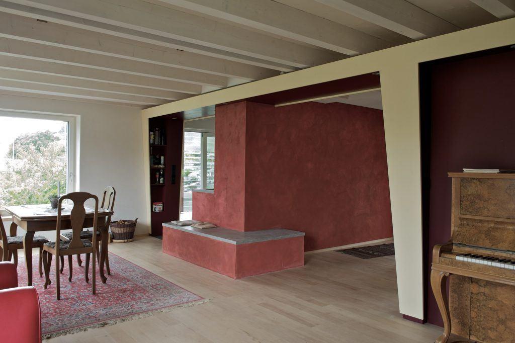 Umbau Einfamilienhaus Umiken Wohnen | Ofenbank, Abfang-Konstruktion, Balkendecke
