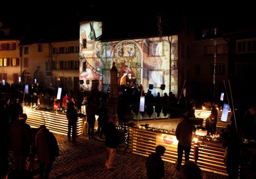 Die leuchtenden Bartheken am Lichterfest 2018 in Brugg